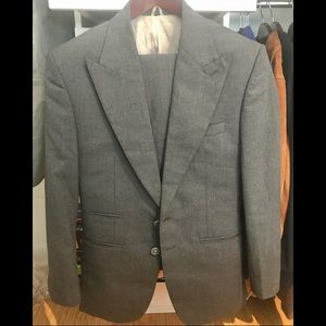 Other - Designer PEAK LAPEL Ash Grey Suit (36S)